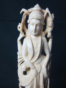 Large statue in ivory of Vishnu - India - approx. 1900-1930