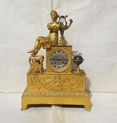 Parigina French clock - Mercury-gilted bronze - era: Charles X, 1820