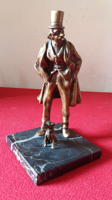 Lost wax casting sculpture in patinated bronze, Milord with little dog - ca. 1920-30