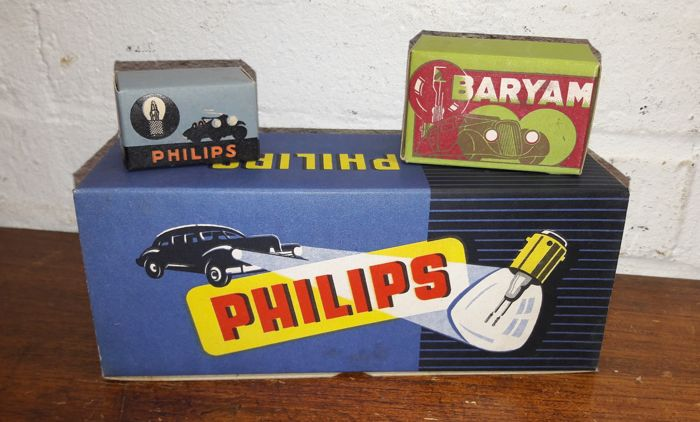 philips and baryam new old stock classic car lights in nice original packaging 12 lights in. Black Bedroom Furniture Sets. Home Design Ideas