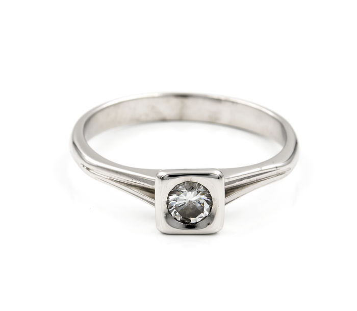 White gold, 750/1000 (18 kt) - Ring - Diamond of 0.30 ct - Rng size: 11 (Spain)