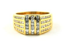 Magnificent Diamond Ring with Square & Round modern cut Diamonds (tot +/-1.50CT) set on 18k/750 Yellow Gold - E.U Size 57 *re-sizable