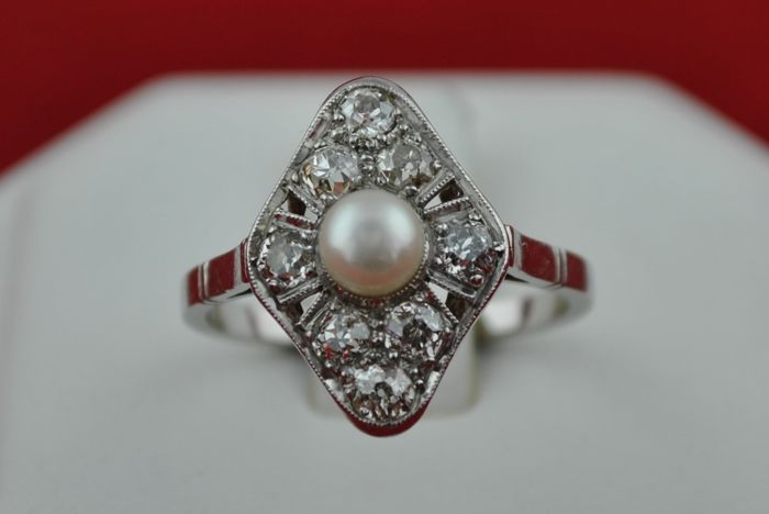 Antique 1900's Diamonds & Pearl set on 18k White Gold Ring +/- 0.80ct Old cut - Color I / Clarity SI - E.U Size 53.5 *Re-sizable