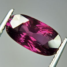 Rhodolite Pinkish Red Garnet - 3.31 ct