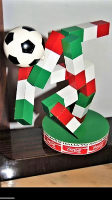 Coca Cola Vintage. Statue of the Football World Cup - Italy 1990.  Coca Cola Limited Edition.