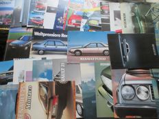 Car brochures (Renault, including 4/5/9/18/25/30, 28x, mostly 1980s-1990s)