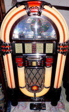 XXL retro Wurlitzer/juke box, Elta brand 2761 - Hollywood, 10-slot changer with remote control