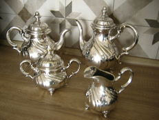 Silver plated Art Nouveau coffee and tea set, Lutz & Weiss from 1925 factory from 1882 Pforsheim Germany.