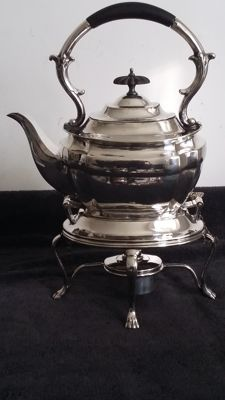 - George Waterhouse & Co Sheffield silver plated kettle, stand & spirit burner.made in england.