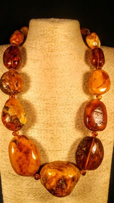 100% Genuine ca. 1950's made Vintage Baltic Amber necklace, length 68 cm, 212 grams
