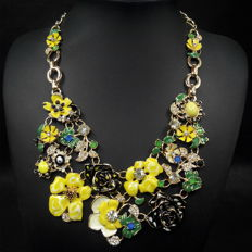 Gorgeous gold tone plate enameled necklace,Length  52 cm