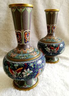 A Pair of Chinese Cloisonne Enamel Vases - China - late 20th Century