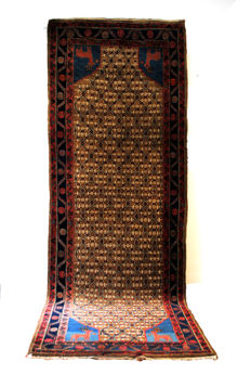 Shongur, tightly knotted strong rug from Azerbaijan, from around 1950.