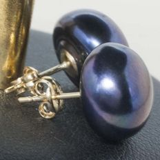 18 kt Gold Earrings with 12 mm cultured Black Pearls