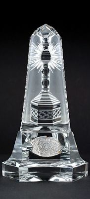VAL ST. LAMBERT Crystal paperweight obelisk with cut monstrance - Belgium - 1950