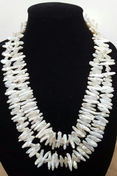 Long necklace with white freshwater-cultured XL baroque pearls – Length: 122 cm - Pearls measure 22 x 4 mm