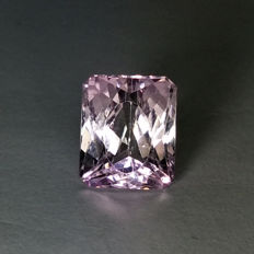 Purple pink Kunzite - 6.69 ct