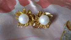 Christian Dior – Vintage pearl earrings ***no reserve***