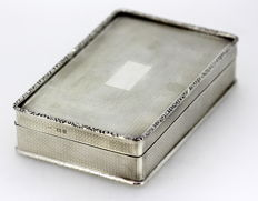 Solid silver box - Charles Henry Dumenil - London - 1922