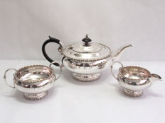 Fine Quality Silver Plated Tea Set Walker And Hall, England - c. 1920 - 1930