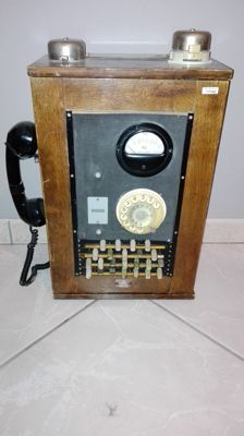 First SIP / ITALTEL control unit, in wood and brass - Italy - 1950s/60s
