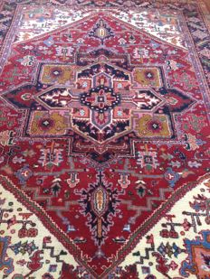 Hand-knotted Indo-Heriz rug, 350 x 250 cm