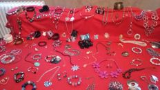 Very nice collection of jewellery