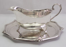 Silver Plated Gravy Boat On Circular Plate John Bishop Chatterley & Sons - Early 20th Century