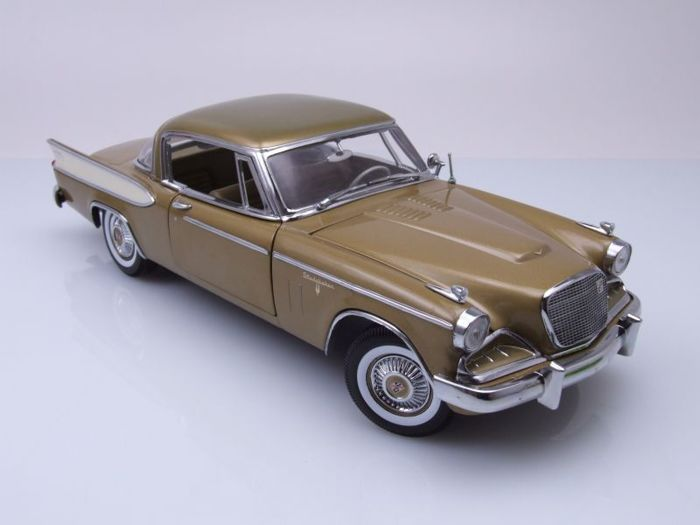 Sun Star - Scale 1/18 - Studebaker Golden Hawk 1957