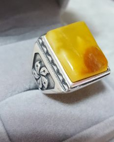 Natural  Baltic Amber silver ring, adjustable size, approx 10.6 gr.