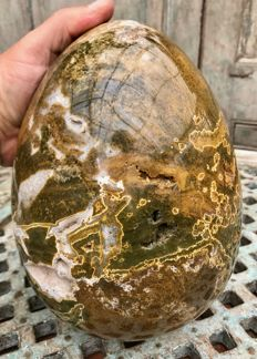 Large white/green and yellow polished Ocean Jasper egg - 23 x 17.5 cm - 9.39 kg