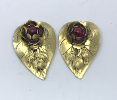 Rose Gold Shoe / Collar Clips With Garnet Roses