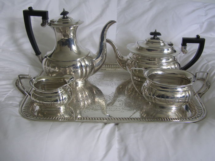 flatware 1926/1934 sheffield teacoffee set&tray matcking made in england.