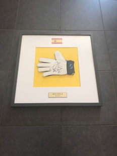 Iker Casillas framed goalkeepers glove with photo evidence and certificate of authenticity