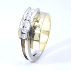 14 kt Fantasy ring with 5 brilliant cut Diamonds of 0.32 ct in total - ring size:	17.5 mm