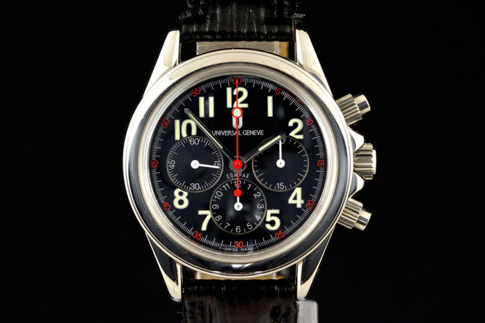 UNIVERSAL GENEVE Chronograph Compax.