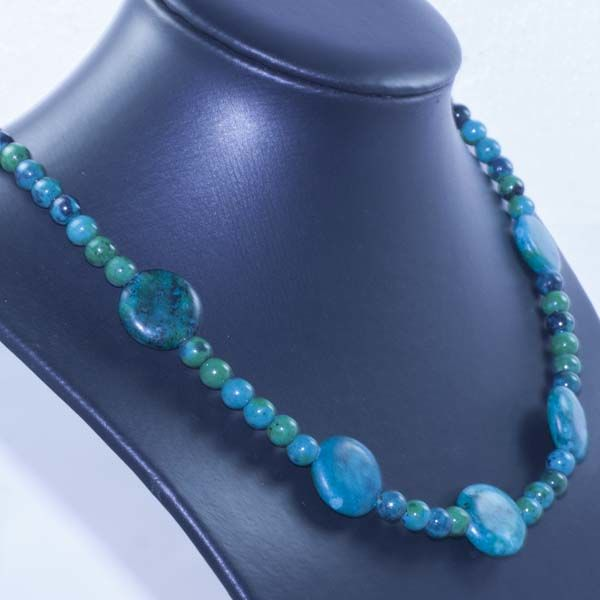 18 kt Gold Necklace with Chrysocolla – 48 cm