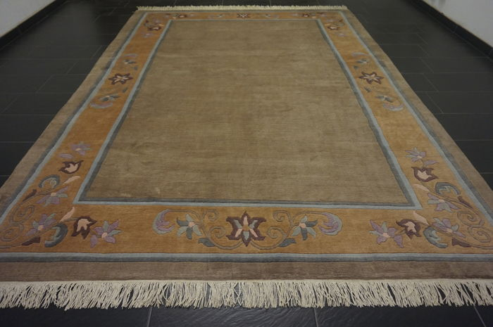 Beautiful hand-knotted oriental carpet, Nepal, designer carpet, 250 x 350 cm