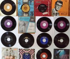 Lot off 16 Pop 45 rpm records, including Buddy Holly and many others, records are in good condition with no scratches