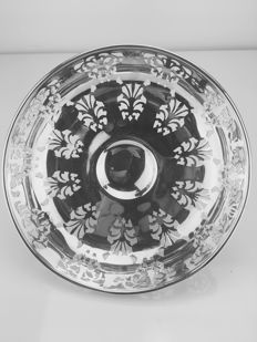 Silver dish on foot – William Hutton & Sons Ltd - Sheffield - 1922