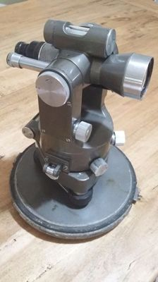 """Brand """"Filotecnica-Salmoiraghi"""" level, topography surveying instrument, with case"""