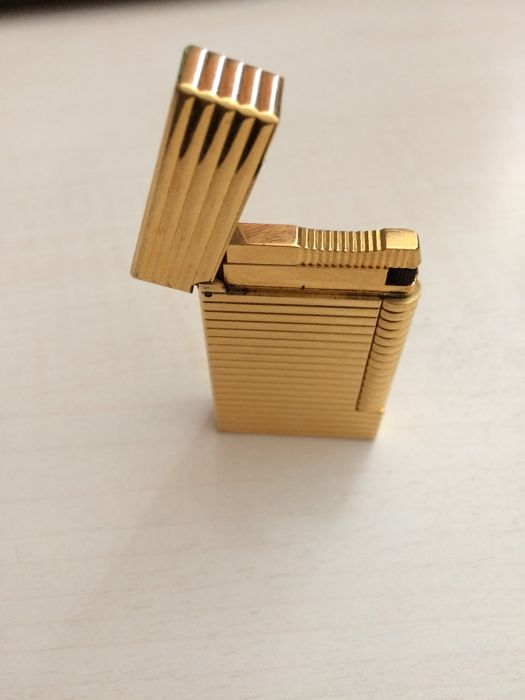 Gold plated ST Dupont lighter.