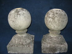 Pair of cast limestone ball finials on square bases - Southern Italy - 19th/20th century