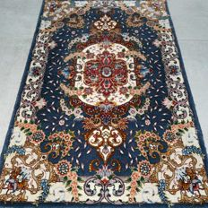 Impressive Tabriz Persian carpet - very good condition - with certificate