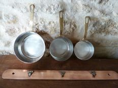 Copper cookware set, Les Cuivres Faucogney, with the frying pan and copper rack,