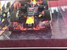 Minichamps - Scale 1/43 - Red Bull RB 12 'First GP win Spain' - Max Verstappen - Limited Edition 2,160 pcs