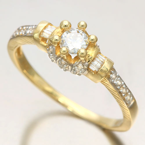 14K Yellow and White Gold Diamond Ring with approx. 0.4 ct in total. Size 54 ***No reserve price***