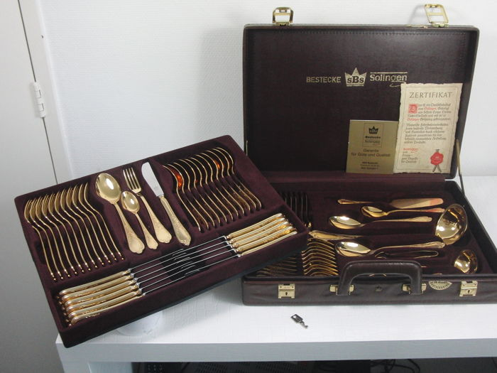 SBS Solingen - 70 piece complete cutlery in suitcase - 24 carat gold