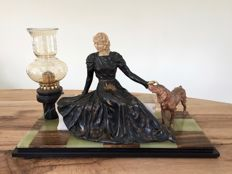 Lady with dog and lamp - in zamac and metal alloy - details of women's face and hands in galalith - marble and onyx - Art Deco - circa 1920