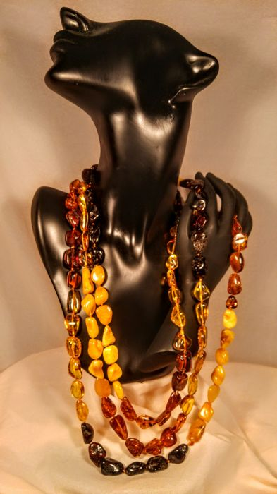 ca. 2 meters long Baltic amber necklace